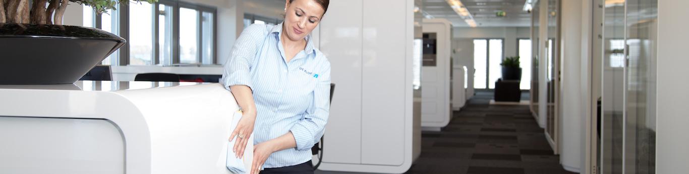 Deklopgroep glasbewassing gevelreiniging vloeronderhoud schoonmaakonderhoud in Nederland vacatures